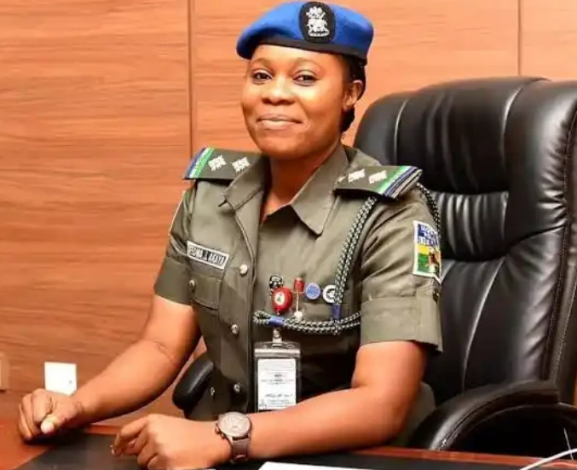 Photo of Miss Ifeoma Amaya: First Female ADC to a Sitting Governor In Nigeria