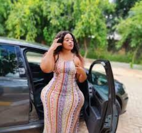 African Lady with the Widest Hips and Curves