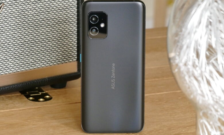 Photo of Asus Zenfone 8 Review: Small Size Isn't Everything