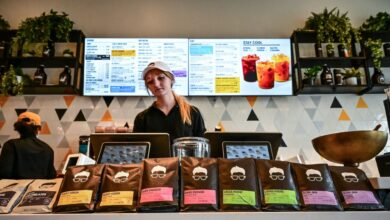 Photo of Wings and lattes: Chicken spots and coffee shop chains booming on LI
