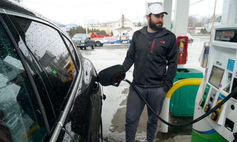 Photo of Poll: Metro area consumers more optimistic but worry about rise in gas prices